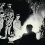 Zdjęcie legionistów przy ognisku.