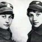 Zdjęcie kobiet - żołnierzy Ochotniczej Legii Kobiet podczas obrony Lwowa