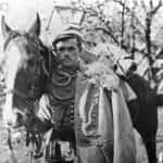 Zdjęcie ułana legionów polskich z koniem