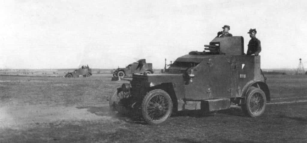 Pancerne samochody Peugeot zakupione we Francji jesienią 1920 r.