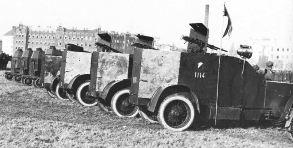 Pancerne samochody marki Peugeot 1920 r.