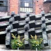 Pomnik górników poległych w czasie ataku oddziałów Ludowego Wojska Polskiego i ZOMO na Kopalnię Wujek w grudniu 1981 roku.