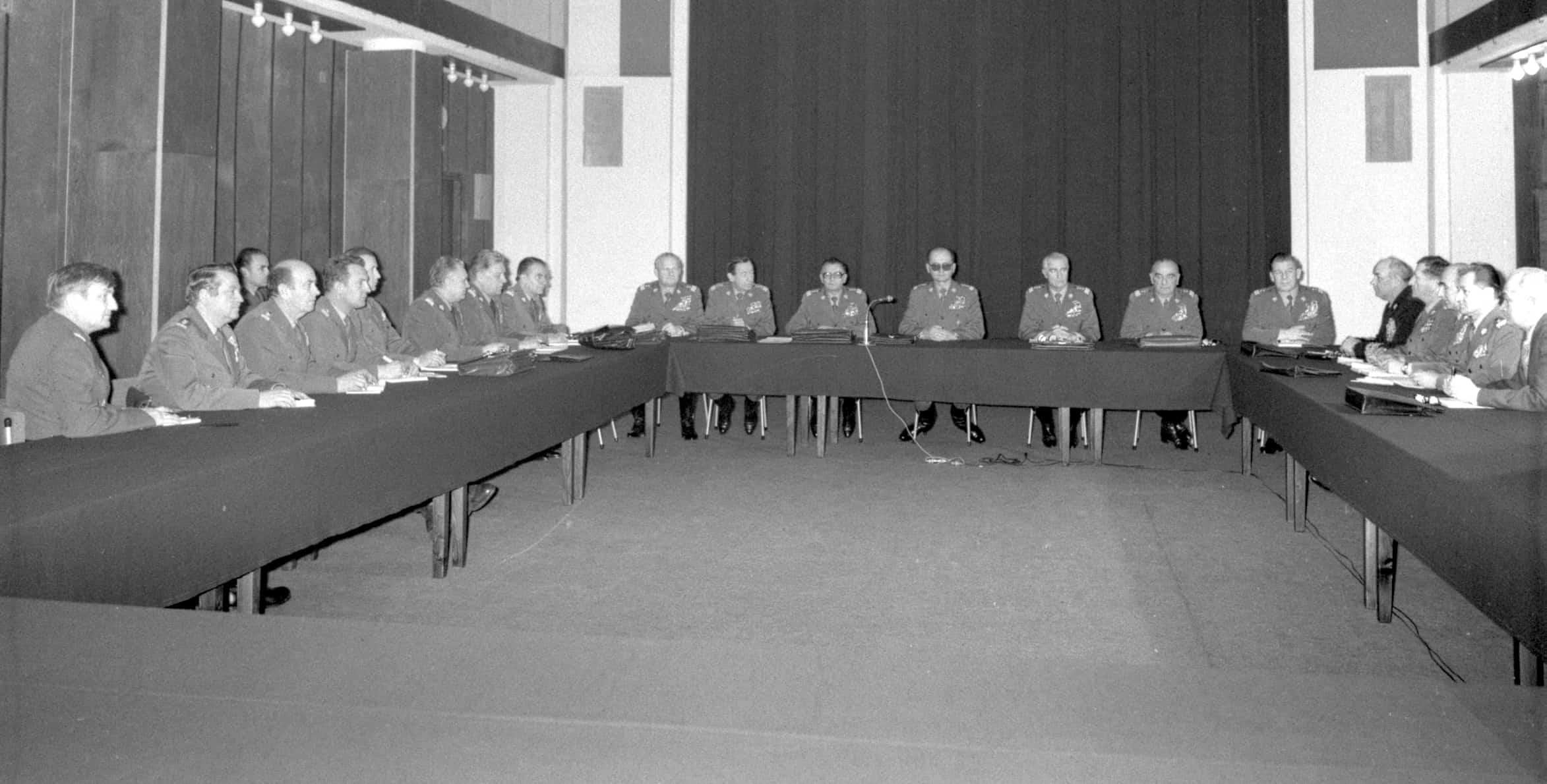 Posiedzenie Wojskowej Rady Ocalenia Narodowego pod przewodnictwem gen. Wojciecha Jaruzelskiego; Warszawa, 14.12.1981.