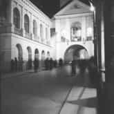 Wilno - Ostra Brama z cudownym obrazem Matki Boskiej Ostrobramskiej. Ze zbiorów: NAC