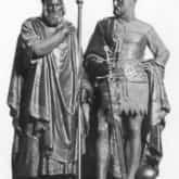 Pomnik Mieszka I i Bolesława Chrobrego w katedrze przy ulicy Ostrów Tumski w Poznaniu. Ze zbiorów NAC.