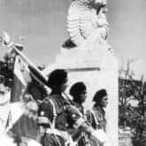 Uroczystość poświęcenia Polskiego Cmentarza Wojennego na Monte Cassino. Poczet sztandarowy 4 Pułku Pancernego. Ze zbiorów Narodowego Archiwum Cyfrowego