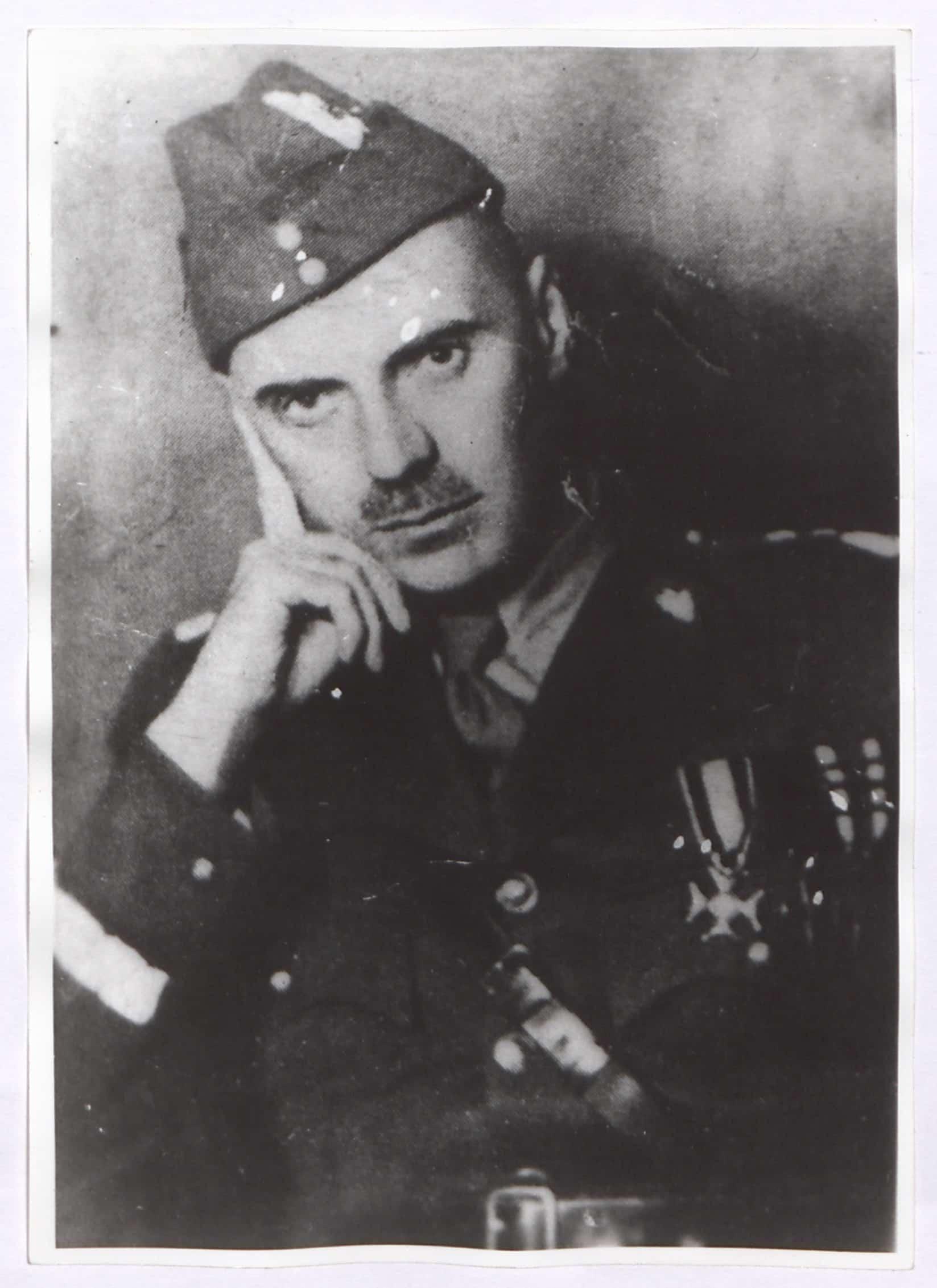 Fotografia gen. Władysława Andersa (fotokopia zdjęcia z 1939 roku). Źródło: Polona