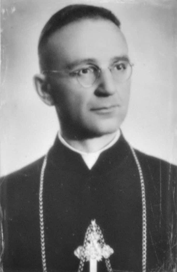 Henryk Strąkowski (1910–1965) polski biskup rzymskokatolicki. Zdjęcie nieznanego autorstwa z jego nagrobka. Źródło: Wikipedia