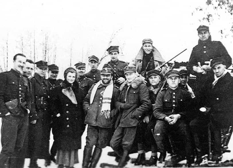 """""""Hubal"""" ze swoimi żołnierzami (zima 1940 r.). Źródło: Wikipedia."""