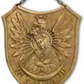 Ryngraf patriotyczny Matka Boska Ostrobramska. Źródło: Wikipedia